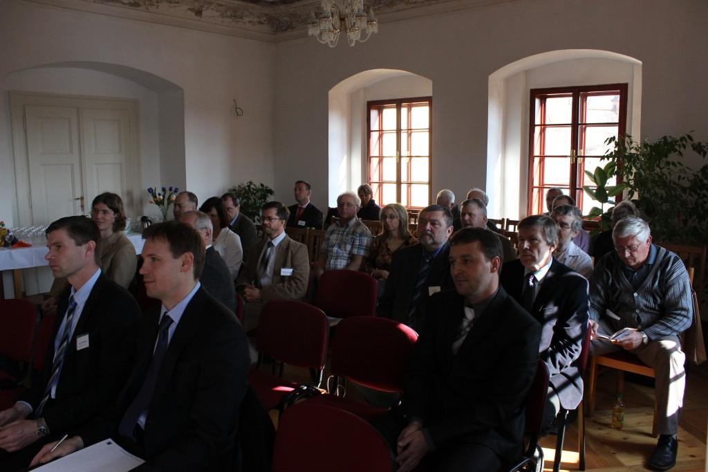 Konference 010